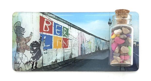 BERLIN Epoxy Magnet mit Mauersteinen - No. 5